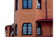 2.1 Дом в Музычах (Нестандартные металопластиковые окна)1